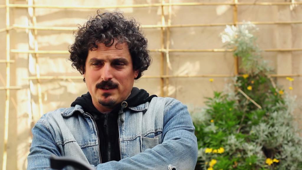 Santiago Zaz, agricoltore membro di Tierra Buena